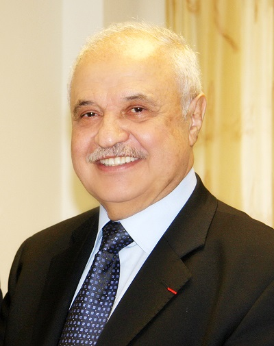 Abu-Ghazaleh Receives His Highness Sheikh Isa Bin Ali Al-Khalifa Award for Volunteer Work as a Representative of Jordan